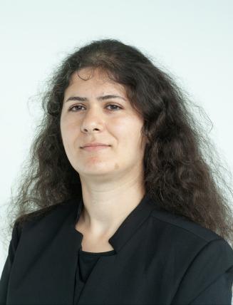 Maryam Mohammadlou headshot